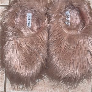 Steve Madden Blush Fuzzy Slippers